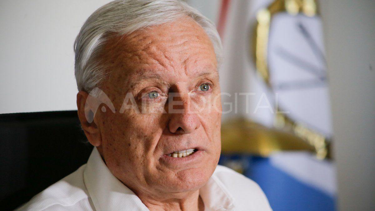 Tras un mes de rumores, confirman la salida del ministro de Salud Carlos Parola