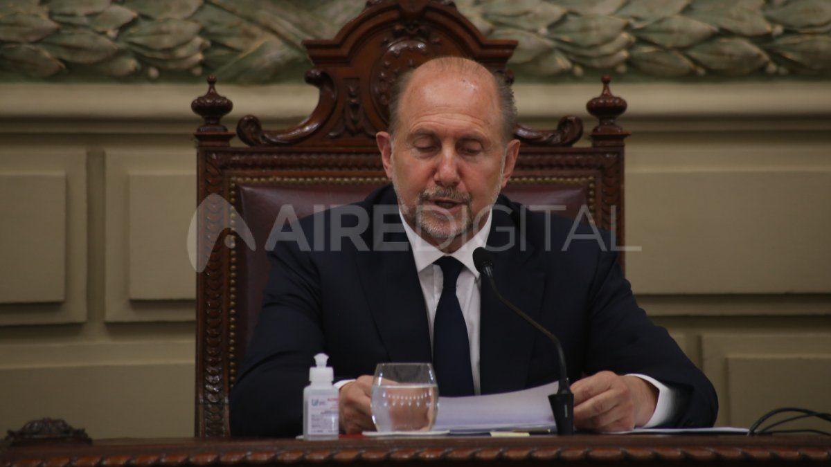 El gobernador Omar Perotti figura en la lista de políticos