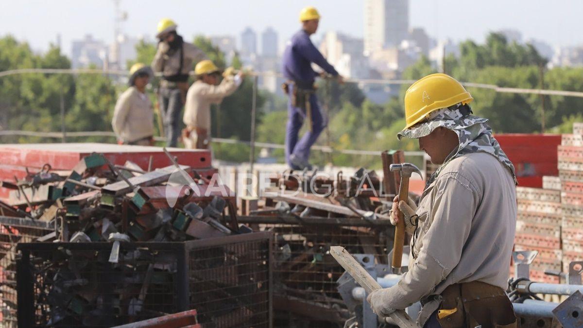 Las habilitaciones incluyen a obras donde trabajan más de cinco operarios.