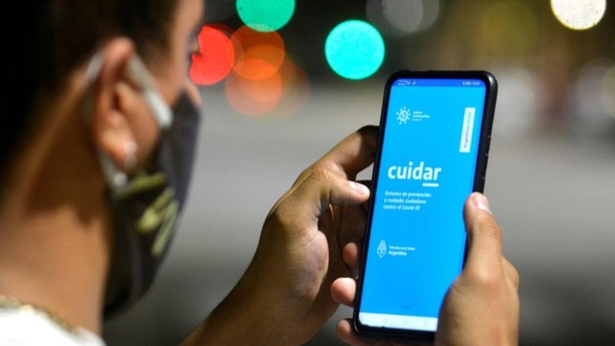 La aplicación CuidAR fue lanzada por el gobierno nacional y tiene la posibilidad de hacer un autotesteo de coronavirus.