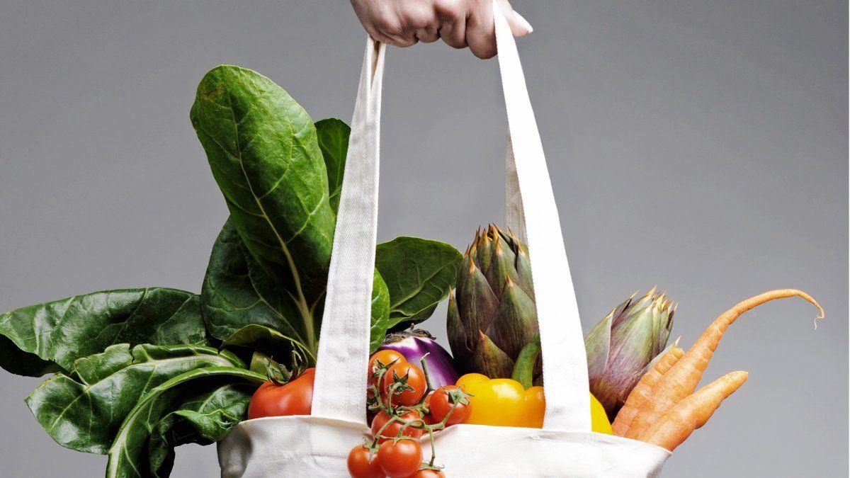 Frutas y verduras de la temporada para el consumo consciente