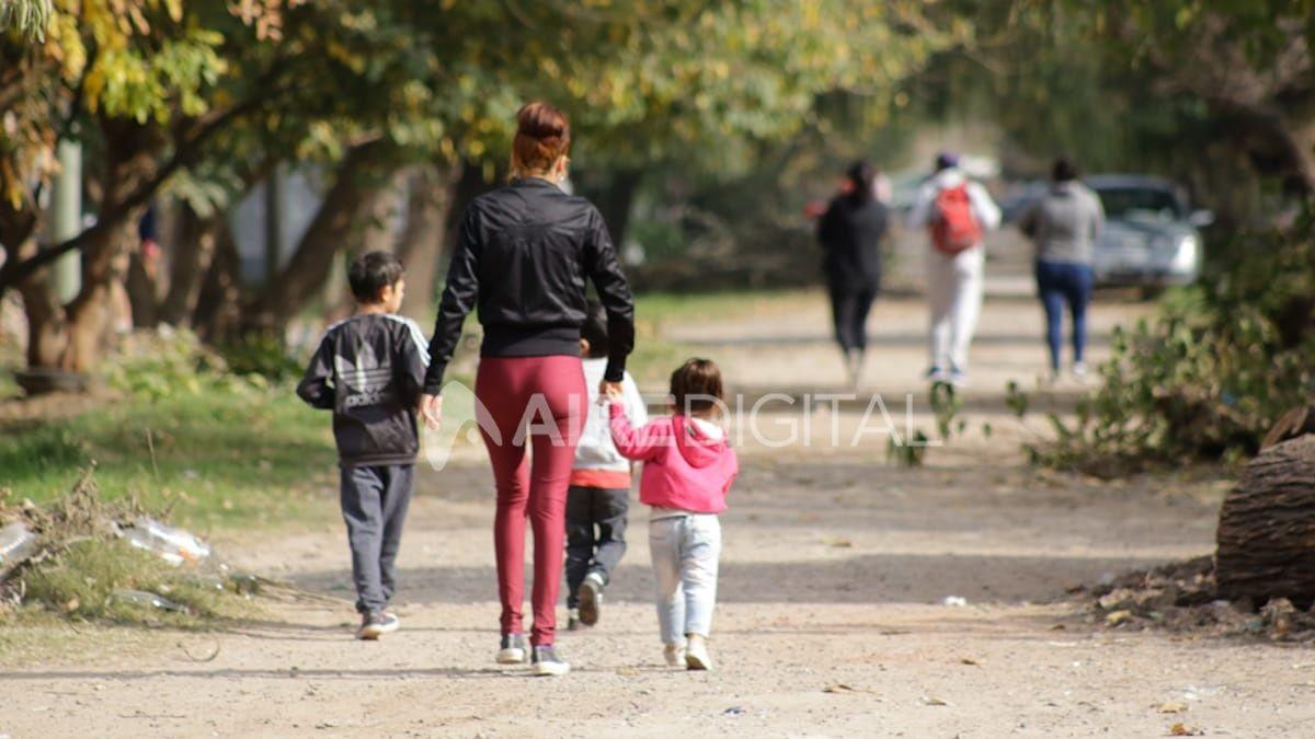 Los menores deberán estar acompañados por un adulto.