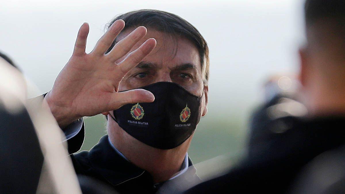 El presidente Jair Bolsonaro continúa enfrentándose a varios gobernadores que ordenaron cierres de actividades económicas en el marco de la pandemia de coronavirus.