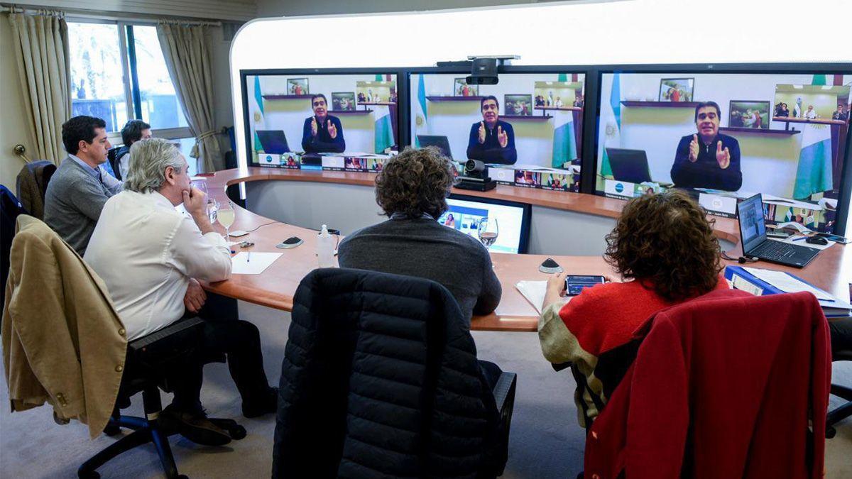 El presidente Alberto Fernández se reúne con los gobernadores de las provincias más afectadas por el coronavirus.
