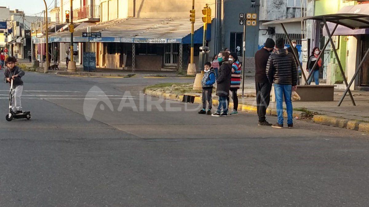 Salidas recreativas: las autoridades aclararon queno se permite ir a parques