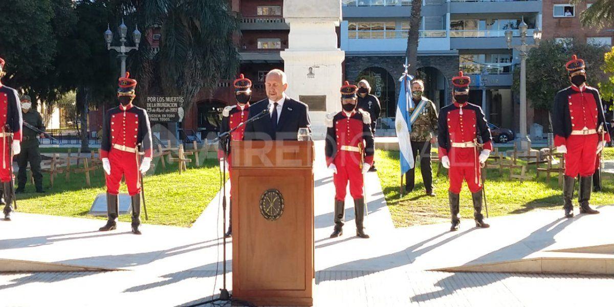 El gobernador Omar Perotti en su discurso en el acto del 25 de Mayo en Santa Fe.