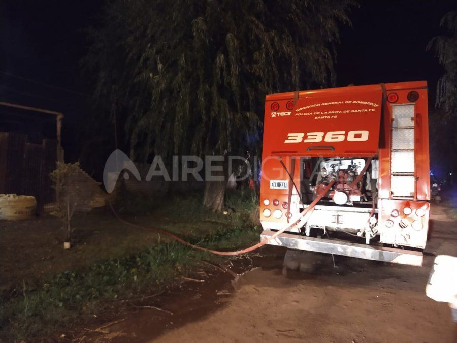 Una vivienda se incendió en calle San Juan al 7600.