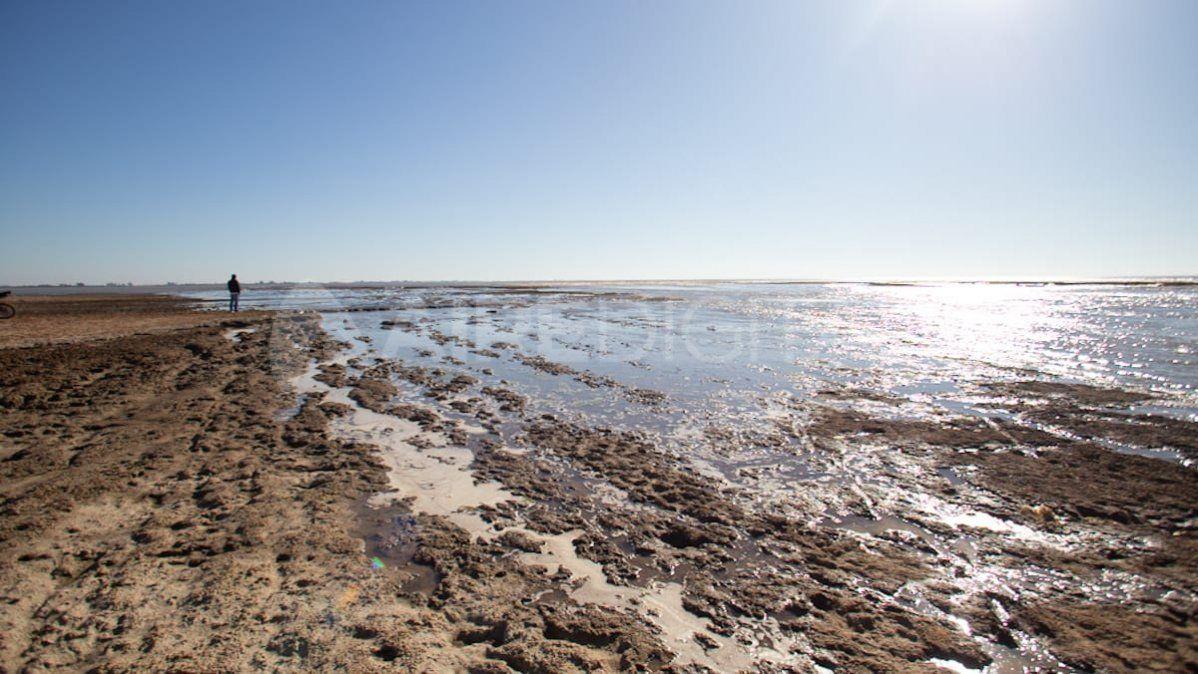 La bajante dejó al descubierto el lecho de la Laguna Coronda.