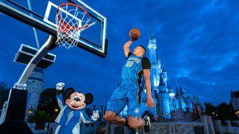 Los jugadores de la NBA piden llevar familiares a Disney para la reanudación de la temporada