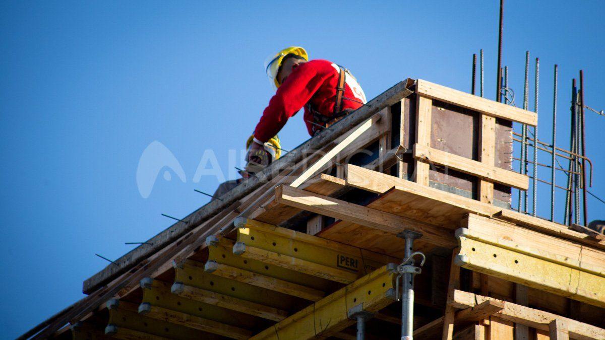 Efecto cuarentena: la construcción se derrumbó casi 50% y la industria cayó 26,4% durante mayo