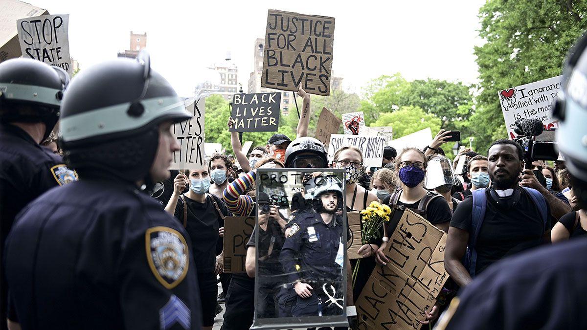 Miles de estadounidenses desafiaron el toque de queda y las amenazas del presidente Donald Trump y salieron a las calles de varias ciudades para protestar por la muerte del afroamericano George Floyd a manos de un policía blanco