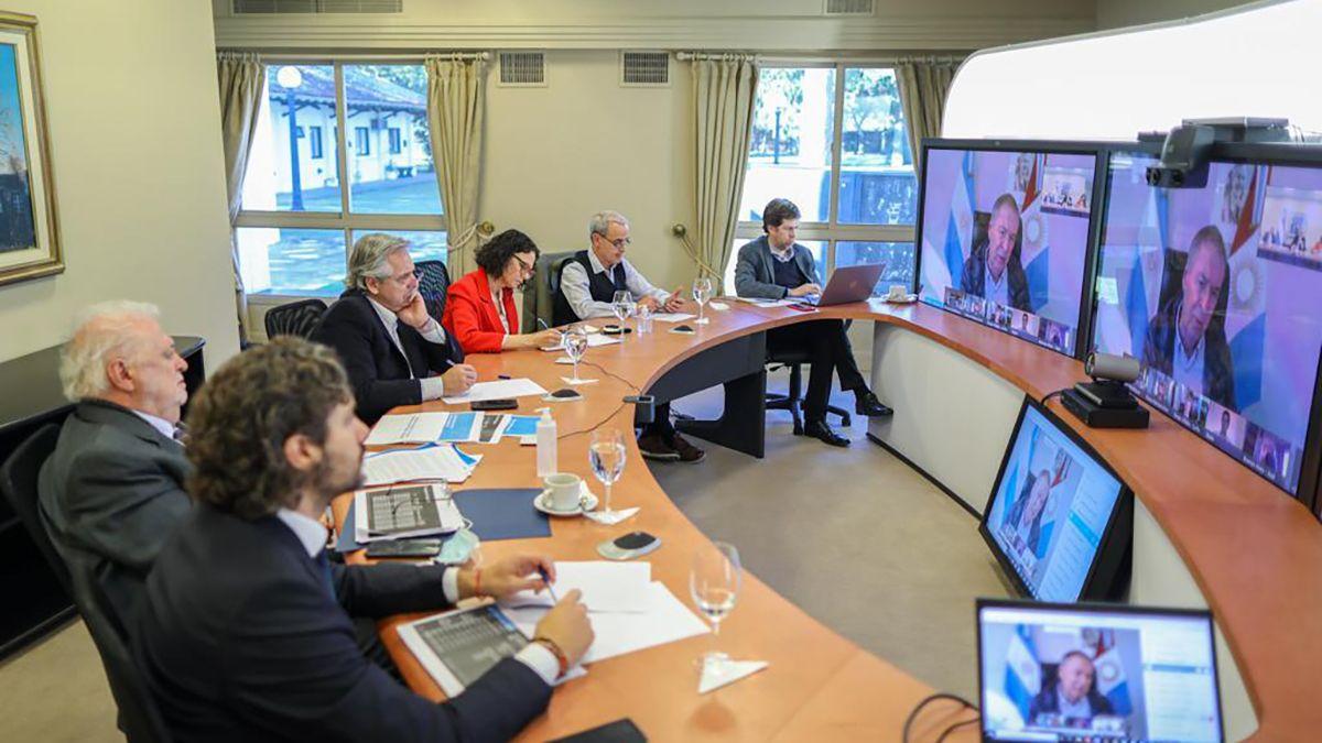 Alberto Fernández reunido con los gobernadores por videoconferencia