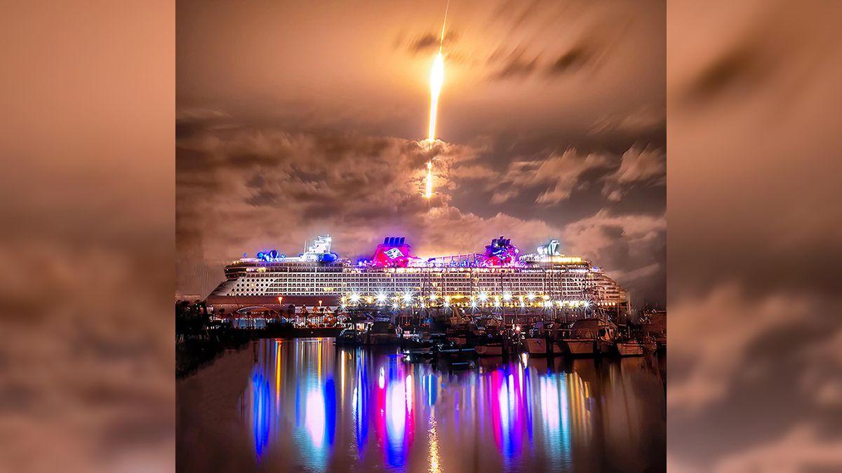 Los ciudadanos de la costa de Florida presenciaron el despegue del cohete Falcon 9 por la noche