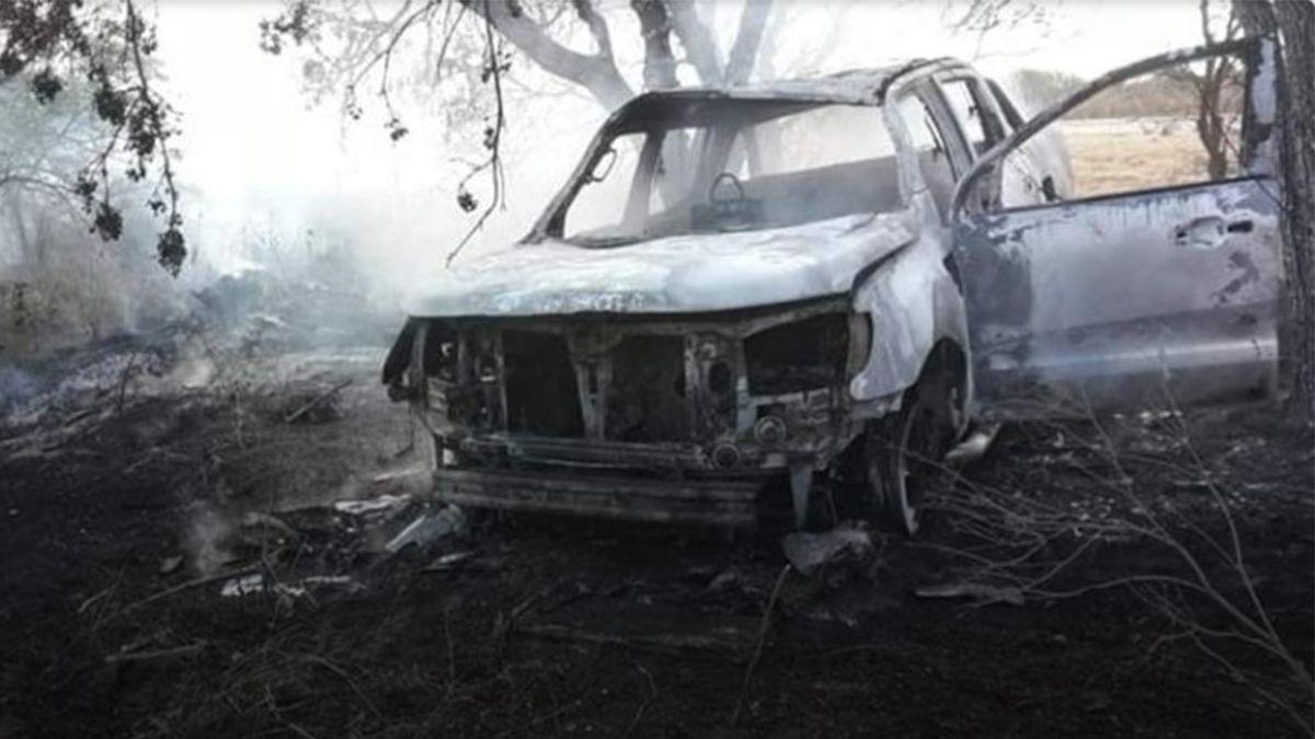 Córdoba: hallaron el cuerpo calcinado de una mujer en una camioneta incendiada