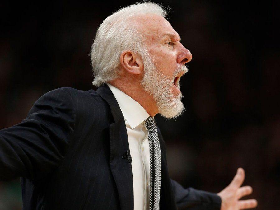 El entrenador de San Antonio Spurs