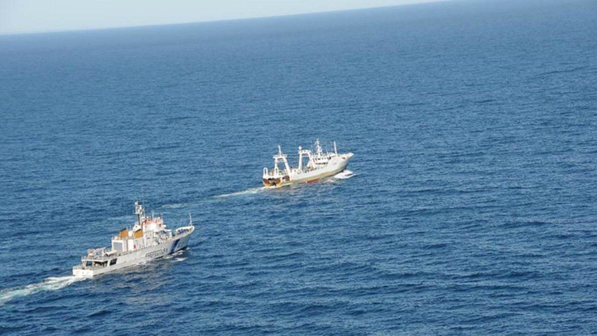 Buques de bandera extranjera fueron capturados en lo que va del año. Realizaban tareas depescailegal en laZona Económica Exclusiva (ZEE)en el sur argentino.