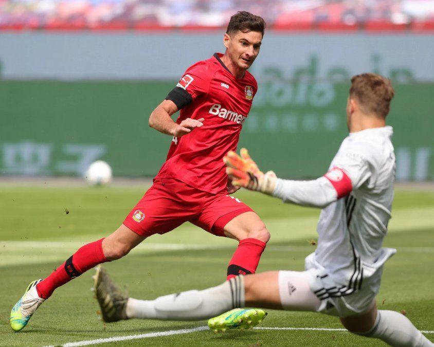 Lucas Alario marcó ante el Bayern Munich pero no pudo evitar la derrota del Bayer Leverkusen
