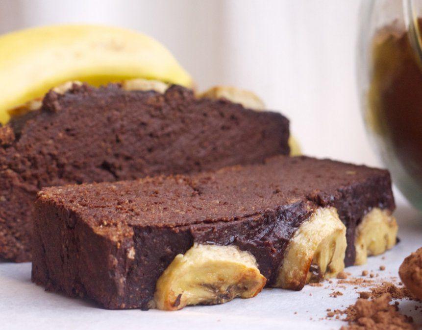 Budín de banana y chocolate.