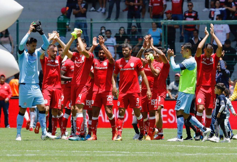 El equipo mexicano confirmó que se detectaron siete casos asintomáticos de coronavirus en el club.