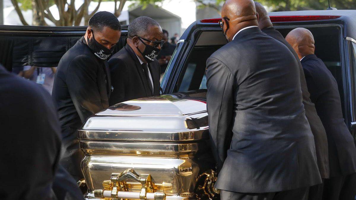George Floyd será enterrado este martes al mediodía en un féretro dorado