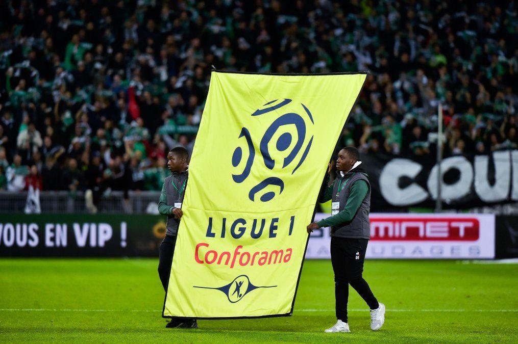 La Ligue 1 decidió suspender los descensos en la temporada actual -inconclusa por la pandemia- por considerarlos injustos para los equipos más complicados.