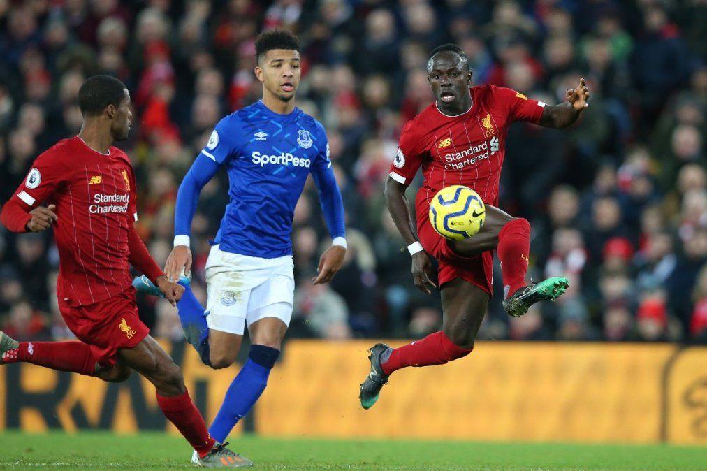 La Premier League prepara su regreso con la inminente consagración de Liverpool