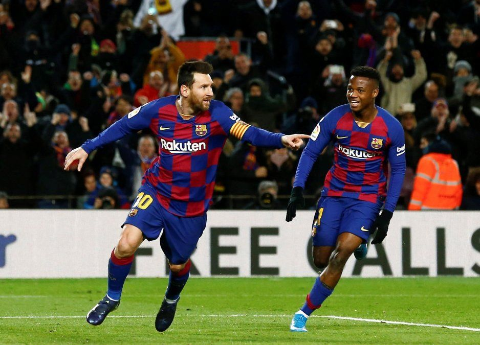 Lionel Messi junto al juvenil
