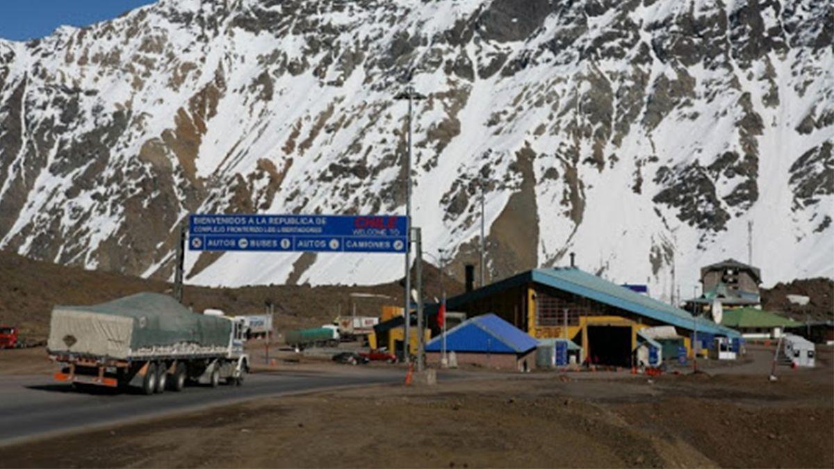 Habilitaron el paso Cristo Redentor de Mendoza a Chile para transporte de cargas