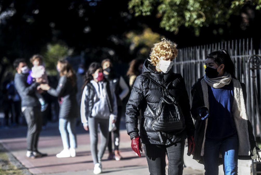 Lo que se evalúa es restringir aún más el aislamiento en el Área Metropolitana de Buenos Aires.