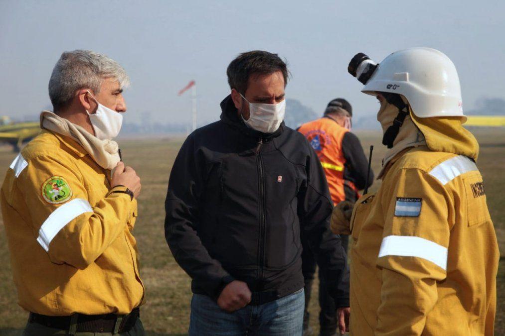 Cabandié sobrevoló el Delta del río Paraná en la zona afectada por las quemas de pastizales