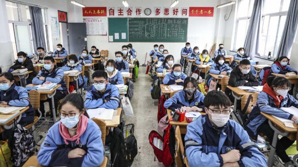 En China sesuspenderán todas las clases presenciales en las escuelas y se volverá a la educación a distancia por Internet