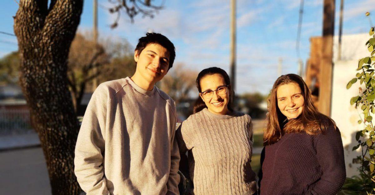 Tres jóvenes de San Justo idearon una aplicación que permite saber cuánta gente hay en la fila de los locales comerciales.