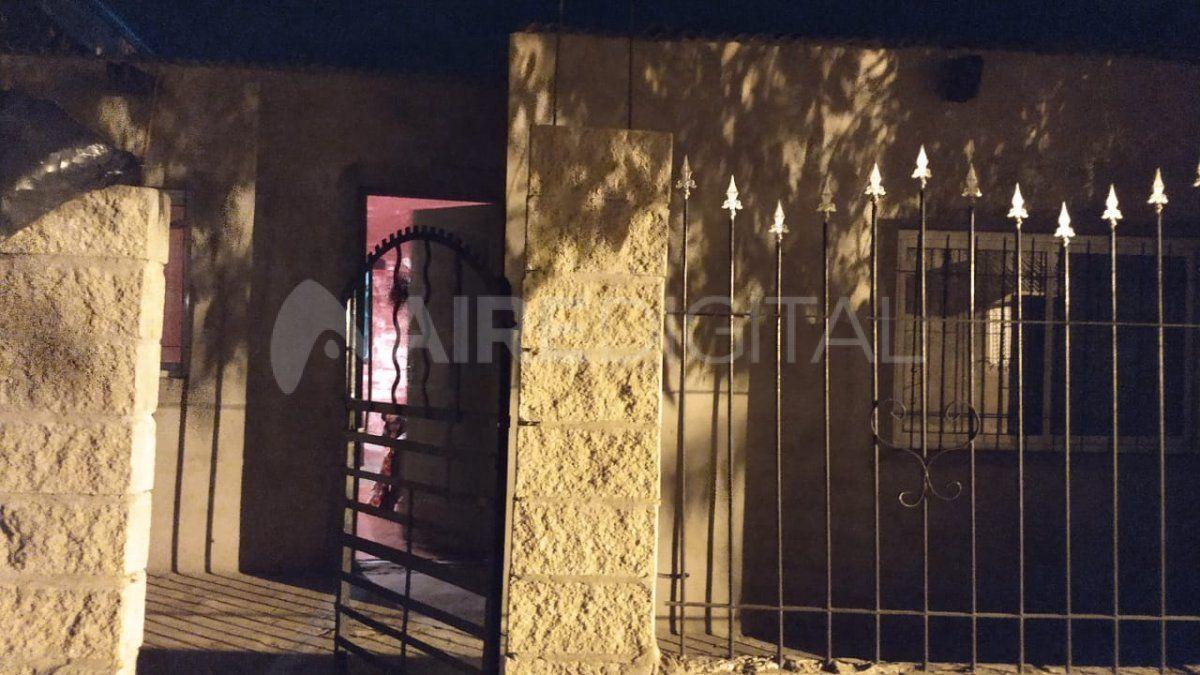 Ladrones entraron a las patadas a una casa en barrio Villa Hipódromo.