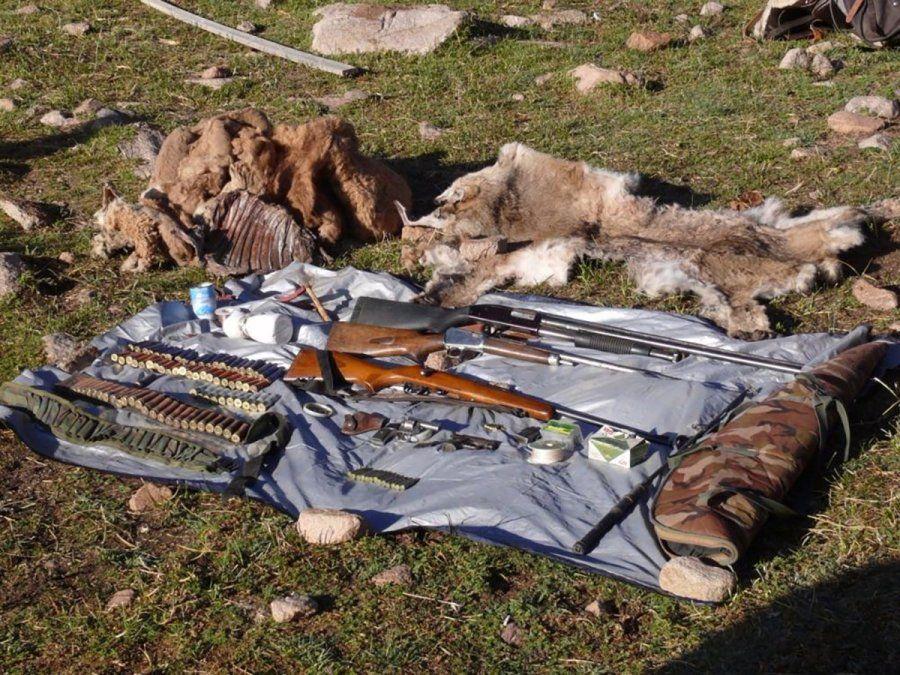 Detenidos por cazar animales en la patagonia.