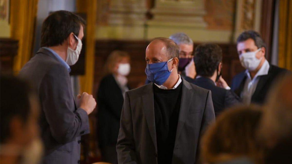 El intendente de Lomas de Zamora confirmó que padece coronavirus el viernes pasado en sus redes sociales.