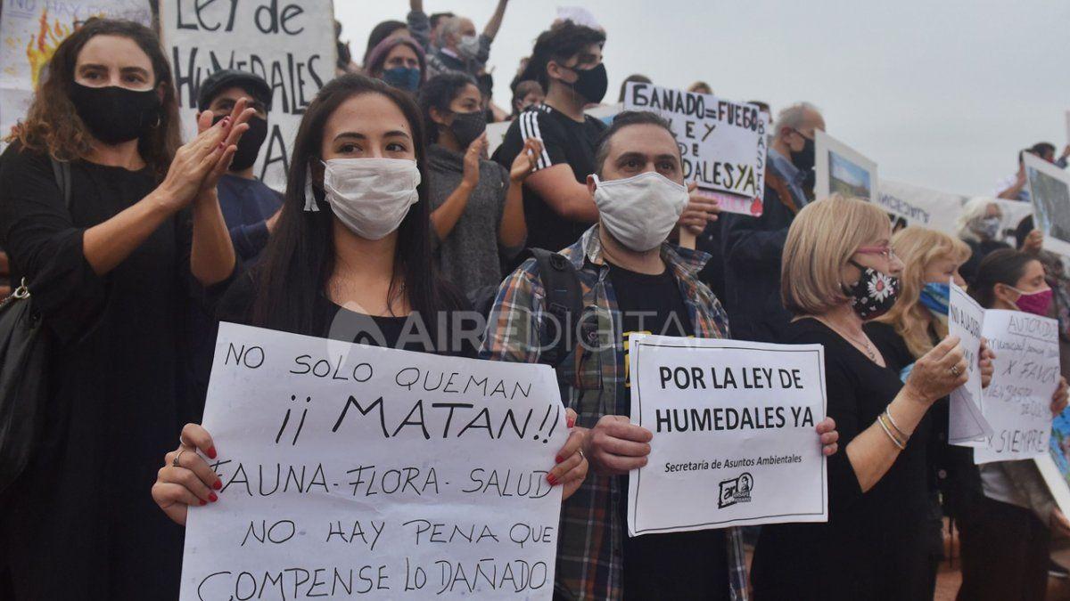 Basta de quemas. La salud del humedal es la nuestra fue una de las consignas que reunieron a los manifestantes.