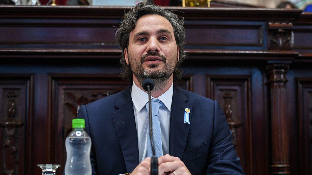 Santiago Cafiero expuso ante periodistas y legisladores en el Congreso.