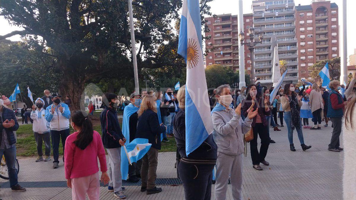 Vecinos santafesinos se convocaron al banderazo nacional por Vicentin.