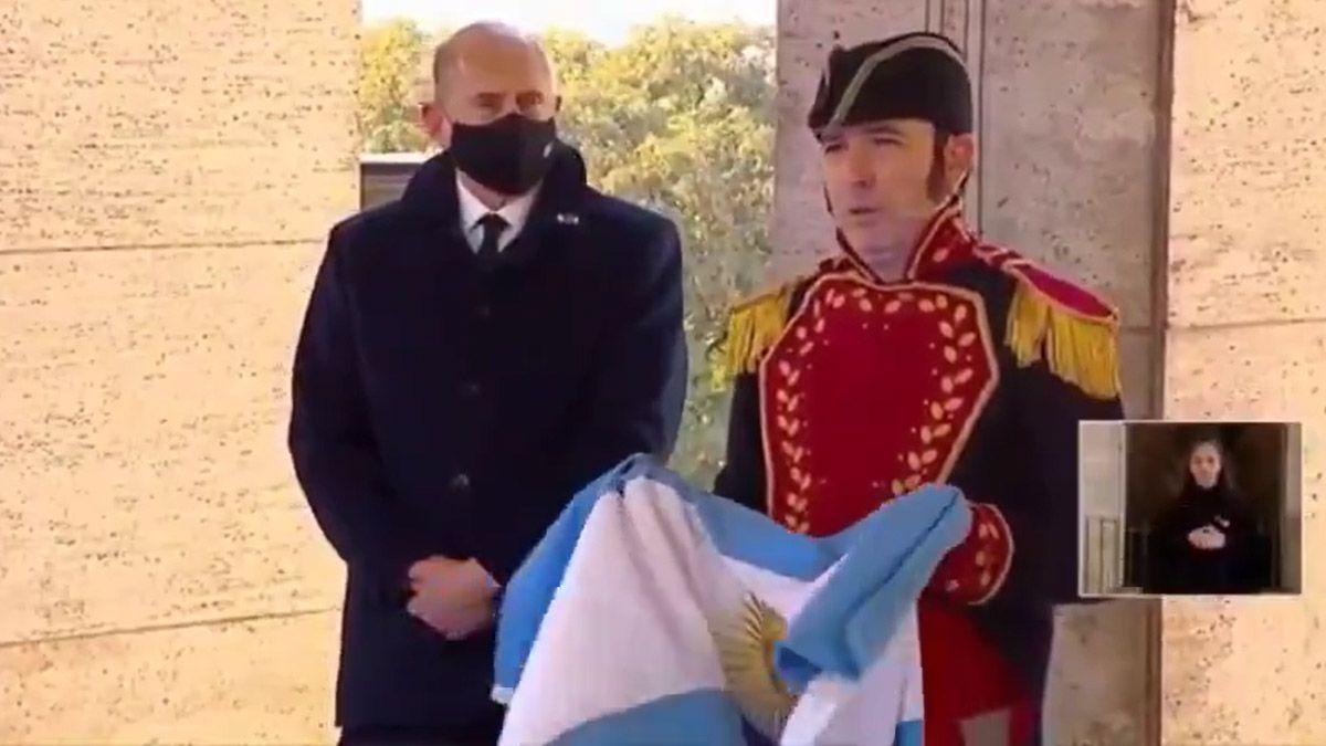 En el acto del Día de la Bandera, Belgrano habló en lenguaje inclusivo