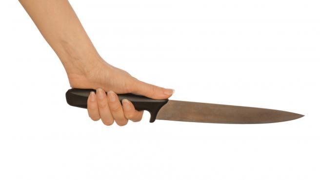 Una mujer apuñaló a su cuñado en Esquel.