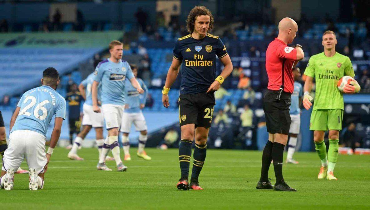 Medios ingleses informan que un jugador del Arsenal dio positivo de coronavirus en la previa al partido con Manchester City