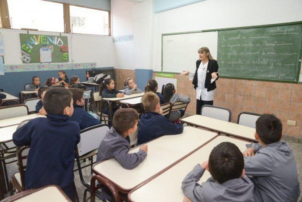 Una alternativa que se evaluará es la aplicación -en caso de que las caracteríticas de la escuela lo permita- de lo que se conoce como aulas burbujas.