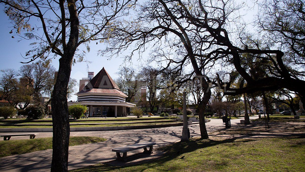 Viernes soleado en la ciudad de Santa Fe.