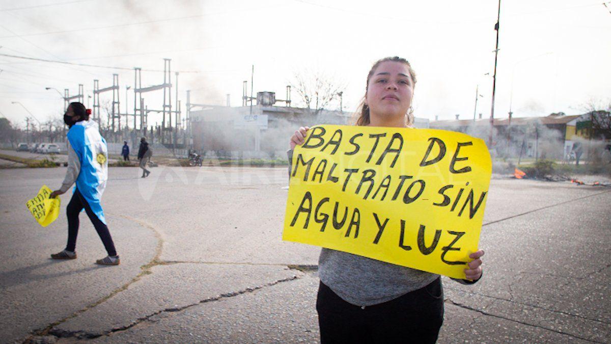 Los manifestantes eran familias que usurparon los terrenos detrás del CIC y reclamanagua y luzpara esosasentamientos informales.