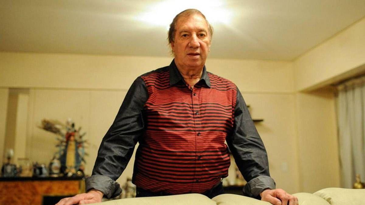 Bilardo fue trasladado a una clínica porteña y continúa en buen estado de salud
