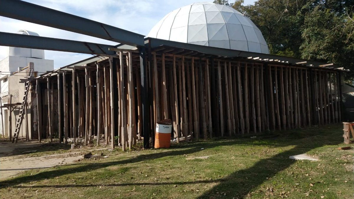 El planetario por ahora sólo tiene la cúpula.