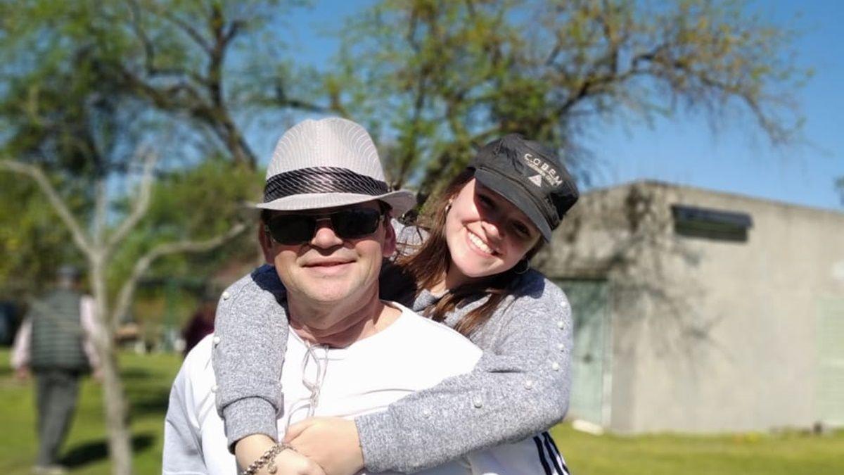 El Dr. Sergio Peter junto a su hija Débora, que estudia Medicina.