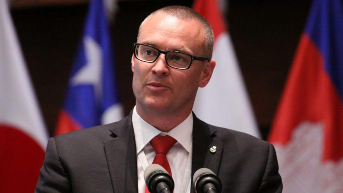 David Scott Clark es ahora el exministro de Salud de Nueva Zelanda. Dimitó tras un polémico manejo de la pandemia.