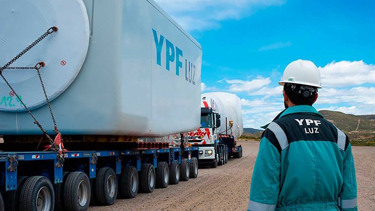La petroleraYPFanuncióeste juevesal mercado su propuesta para extender cuatro años el plazo del vencimiento de sus Obligaciones Negociables Clase XLVII por un monto de 1.000 millones de dólares.