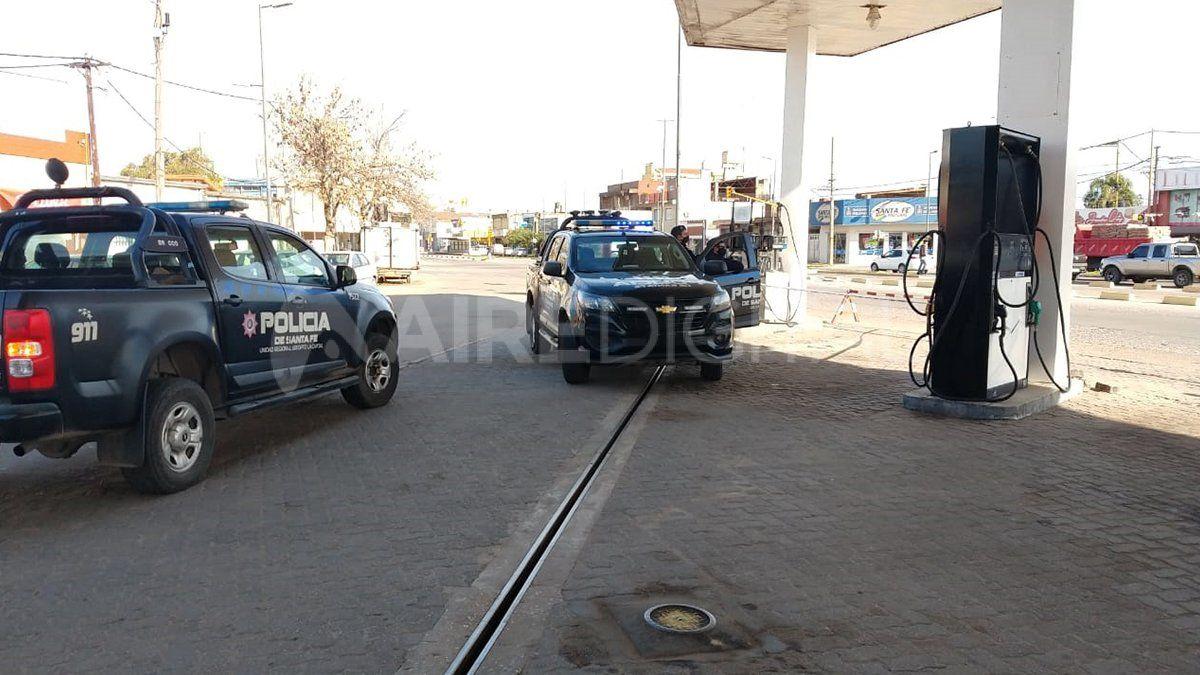 Personal policial custodió la escena del ataque hasta que llegaron los peritos de la Agencia de Investigación Criminal.